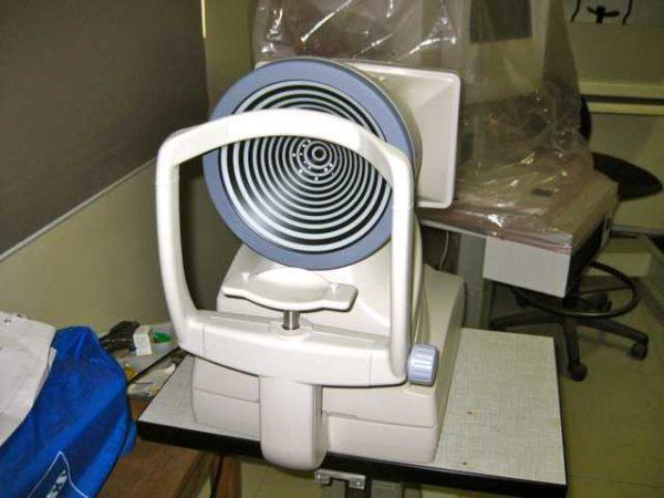Topcon CA-800 Corneal Analyzer